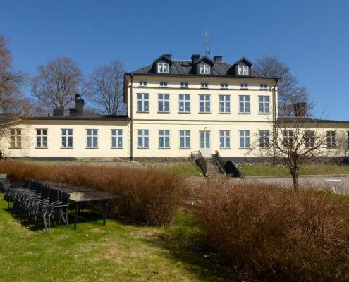 Riddersviks-gård-från-sjösidan